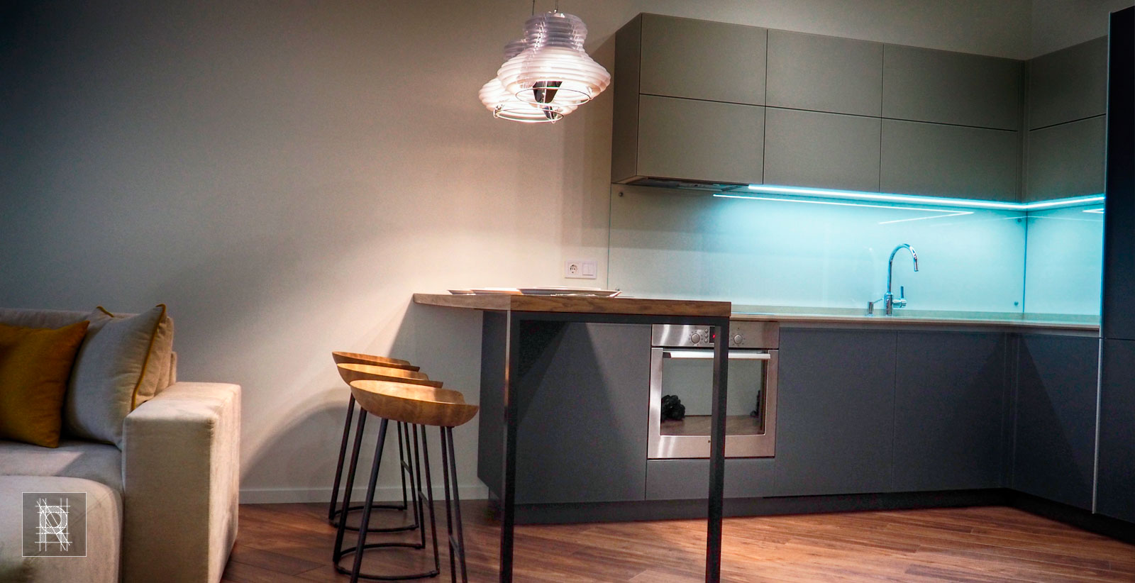 Фото обеденного стола на кухне