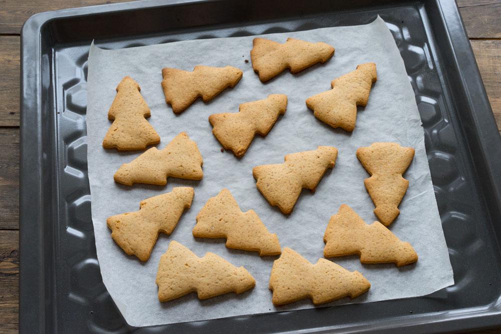 Печенье в форме ёлок