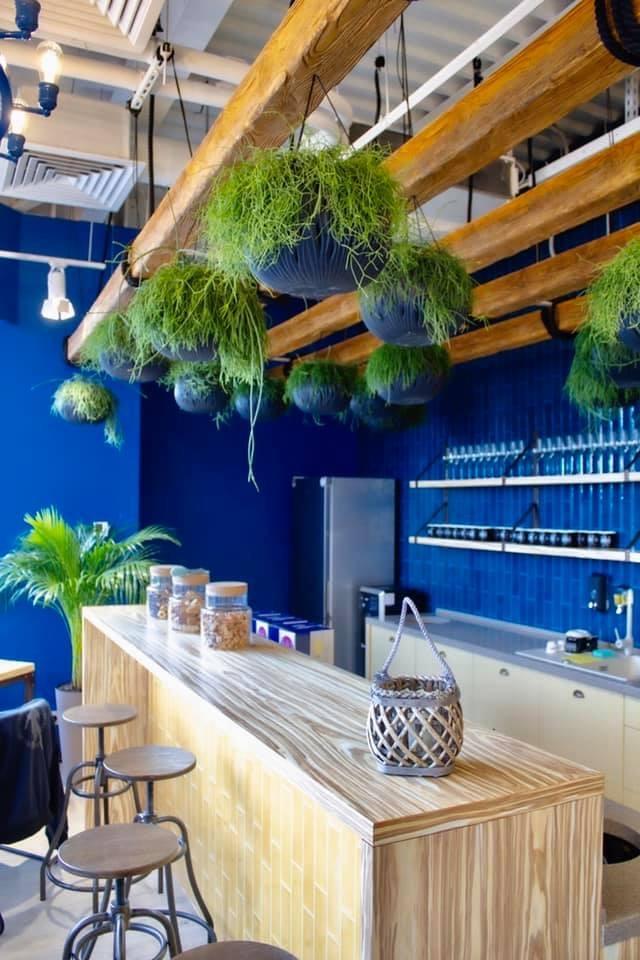 Картинка кухонного пространства с декоративными элементами